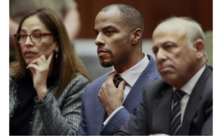Juez federal dicta 18 años de cárcel para ex estrella de NFL