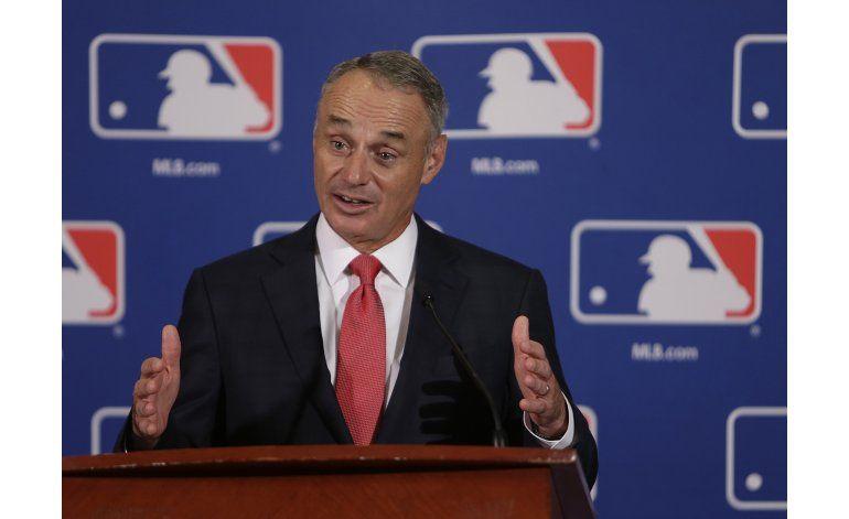 MLB consideraría limitar cambios de lanzadores