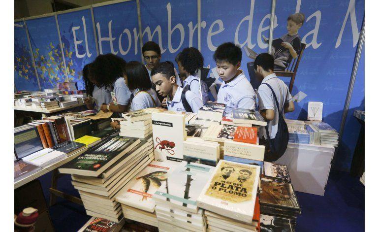 Autora de 12 años presenta obra en Feria del Libro de Panamá