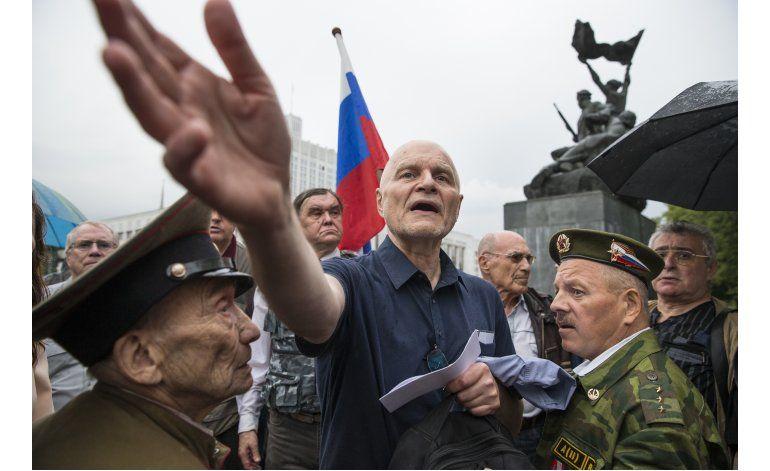 Rusia celebra 25 aniversario de su fallido golpe de estado