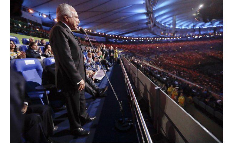 Políticos brasileños se ausentan de clausura olímpica
