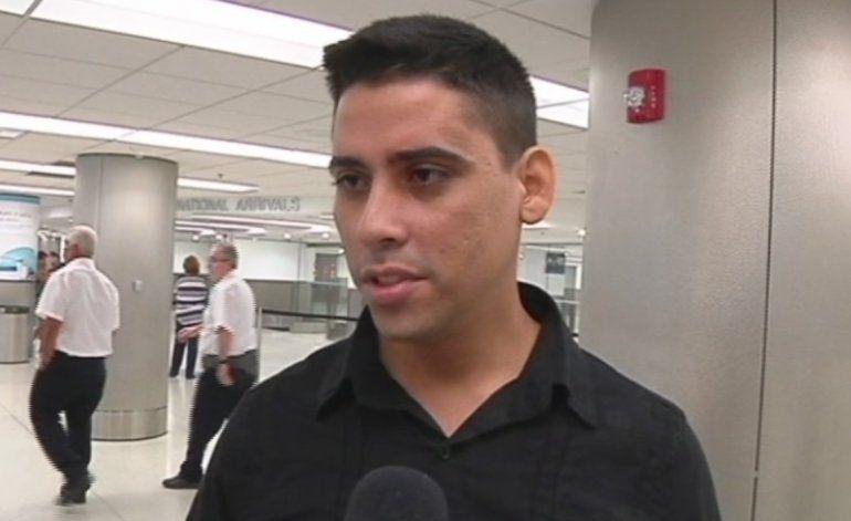 Llega a Miami  el opositor cubano  Carlos Amel Oliva, dirigente juvenil de la UNPACU