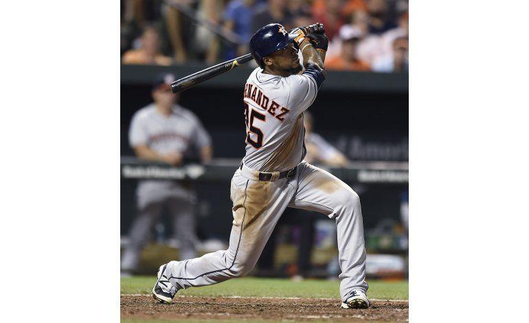 Astros pegan 4 jonrones para vencer a Orioles