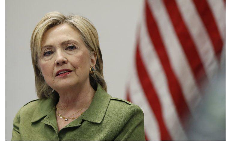 Clinton disfruta de un agosto político sereno