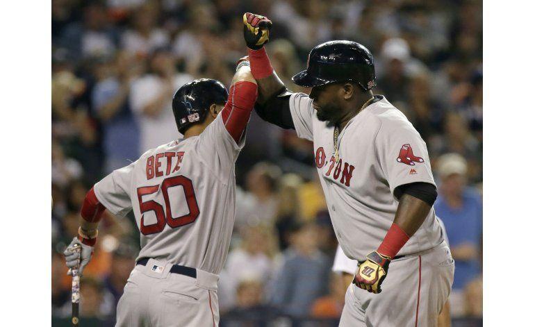 Ortiz jonronea en por Boston tras ser homenajeado