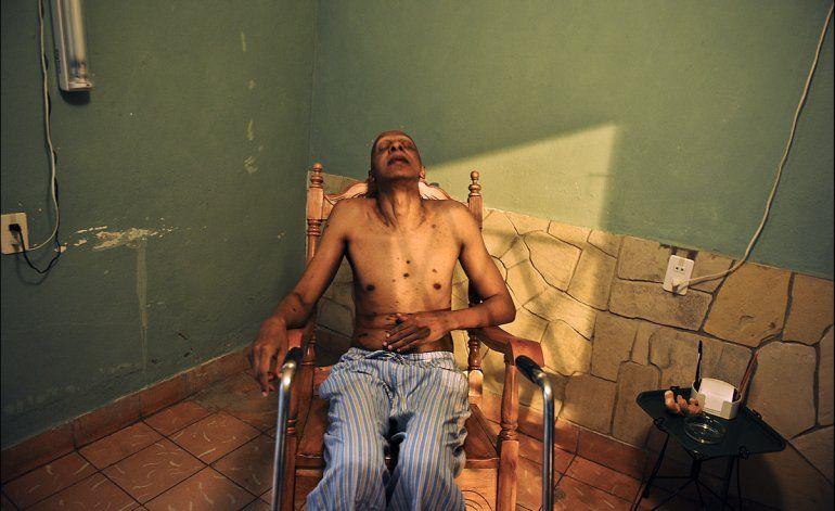 Fariñas deja el hospital y continúa en su casa la huelga de hambre