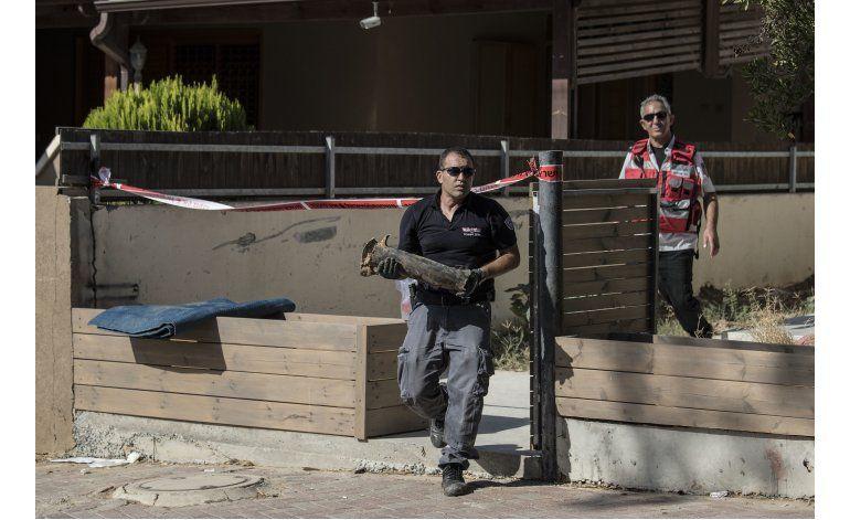 Palestinos lanzan cohete contra Israel y provocan represalia