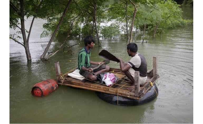 Inundaciones en India dejan al menos 40 muertos