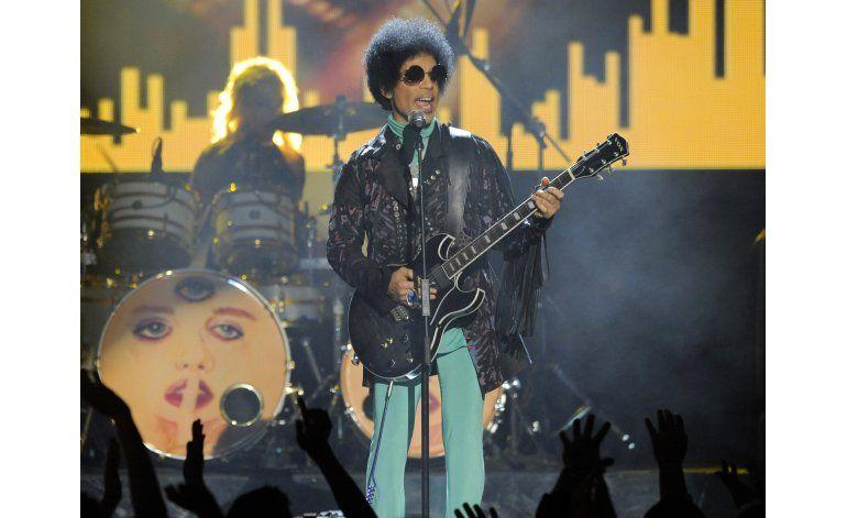 Píldoras encontradas en finca de Prince contenían fentanilo