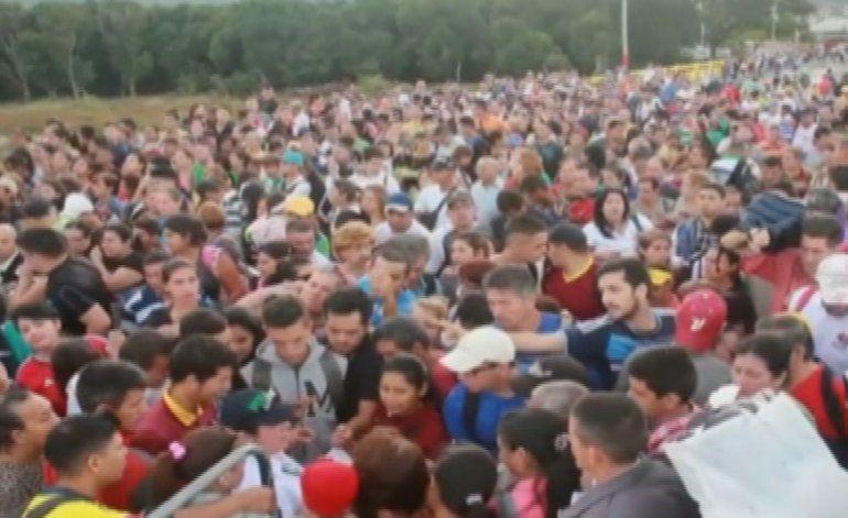 Colombia denuncia invasiones de venezolanos tras la reapertura de la frontera entre ambos países