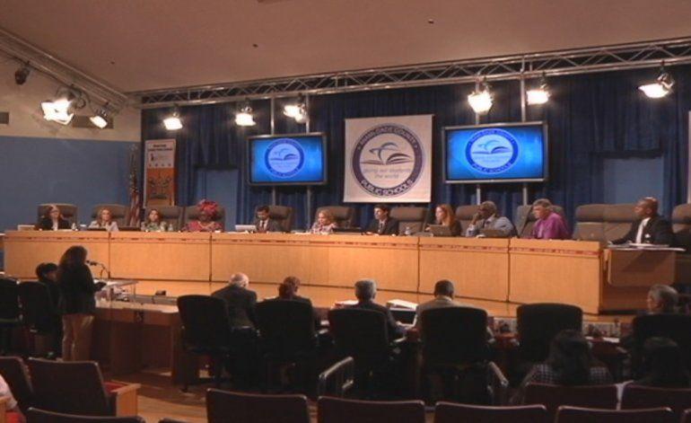 Sube el tono de las acusaciones entre algunos los candidatos para el Distrito 6 de la junta escolar