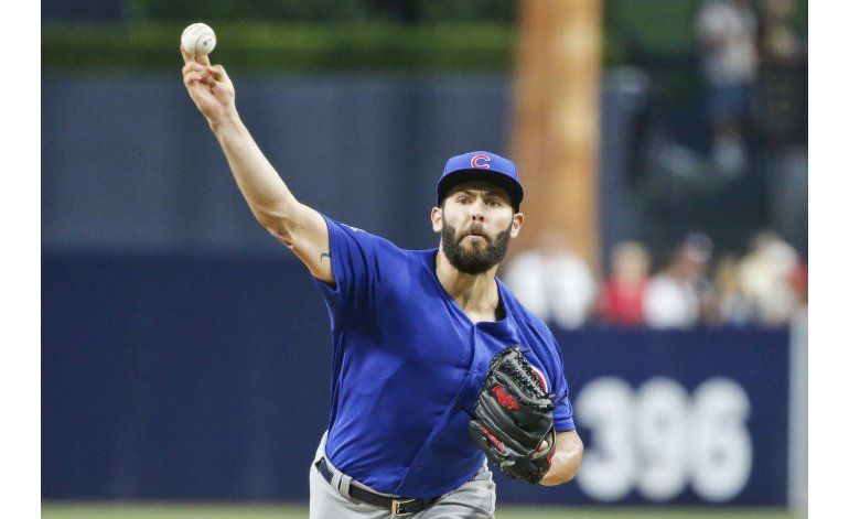 Arrieta domina 8 innings, Cachorros vencen a Padres 5-3