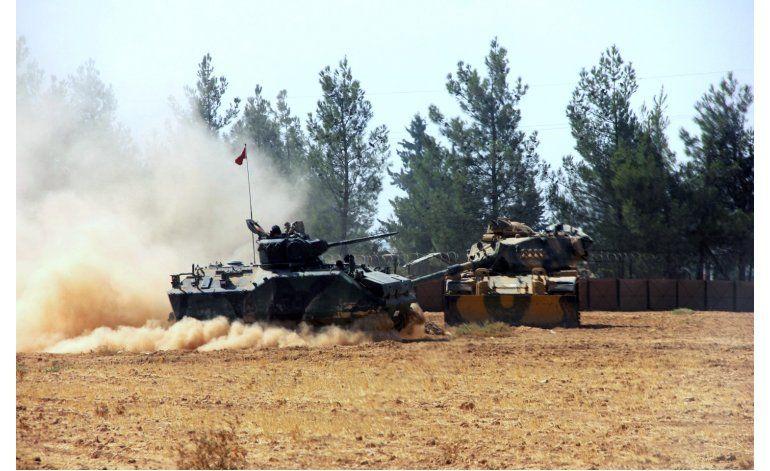 Turquía lanza ofensiva para expulsar a EI de ciudad siria