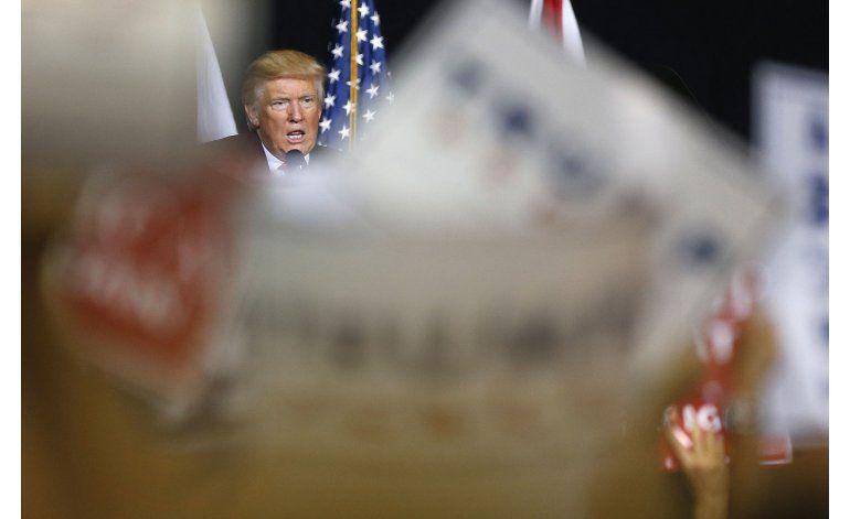 Trump trata de obtener apoyo de hispanos