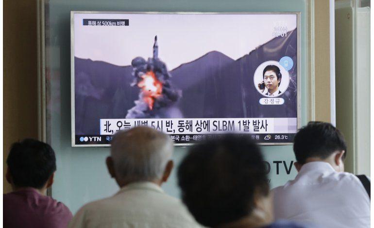 Norcorea pregona éxito en reciente prueba de misil