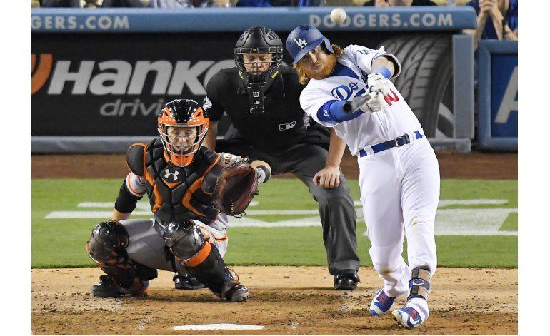 Dodgers ganan 1-0 a Gigantes con un firme Hill