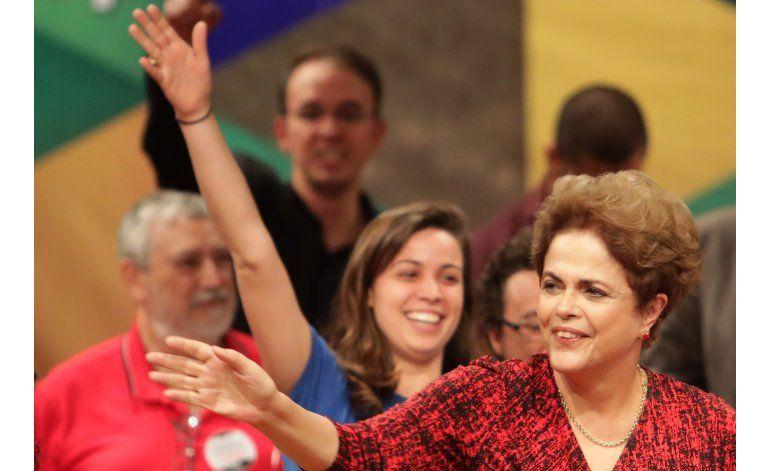 AP EXPLICA: Factores detrás del juicio político a Rousseff