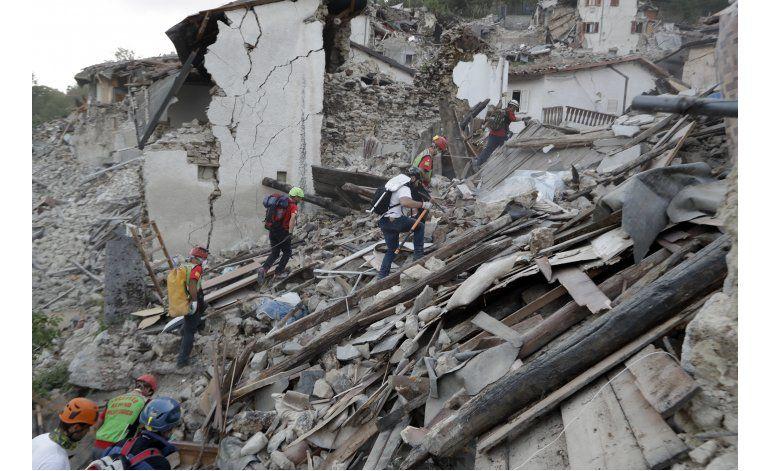 LO ULTIMO: Suben a 250 los muertos por sismo en Italia