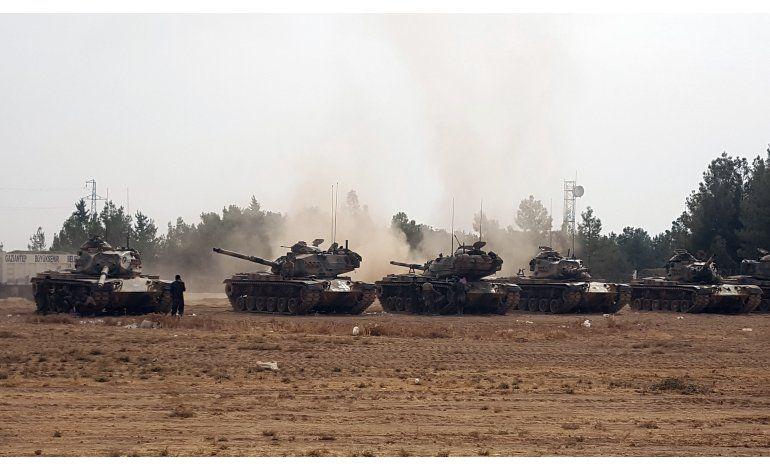 Turquía envía más taques al interior de Siria