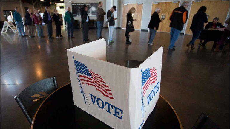 Cierran los primeros centros electorales en Estados Unidos