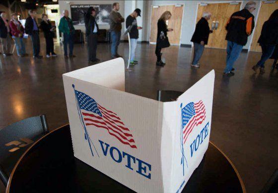 Así se vivió el primer día de votación anticipada en Miami