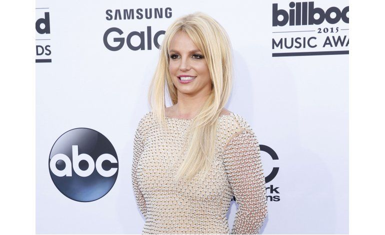 Britney Spears sale de paseo con Corden en Carpool Karaoke