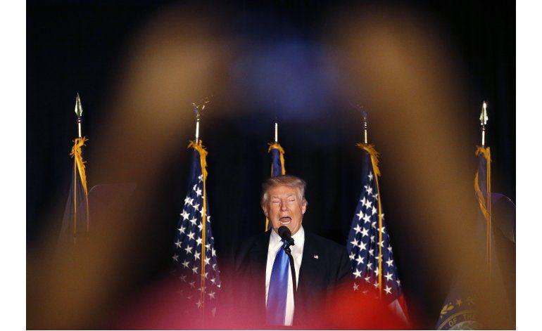LO ULTIMO: Trump se reúne con latinos en Las Vegas