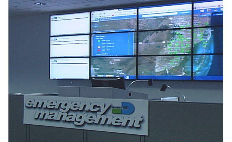 Autoridades del condado se reúnen por la posible amenaza de una onda tropical a nuestra área