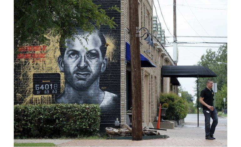 Controversia por mural de asesino de Kennedy en Dallas