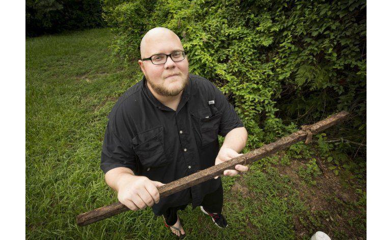 Florida: Hombre sobrevive a rayo, araña y serpiente