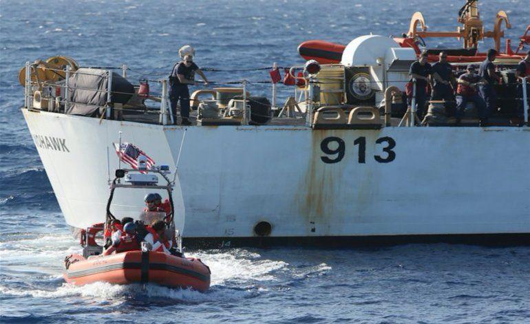 Los guardacostas repatrían a 161 cubanos interceptados en aguas de Florida
