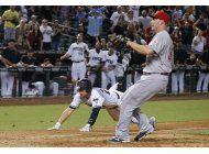 diamondbacks vencen a rojos en un wild pitch en el 11mo