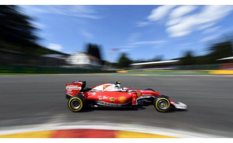 Rosberg gana la pole en Bélgica; Hamilton largará al fondo