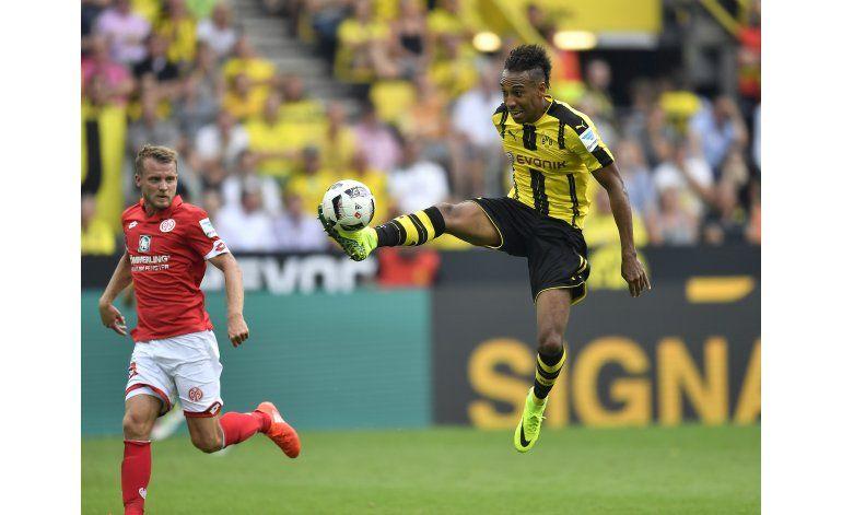 Doblete de Aubameyang da triunfo al Dortmund en Bundesliga