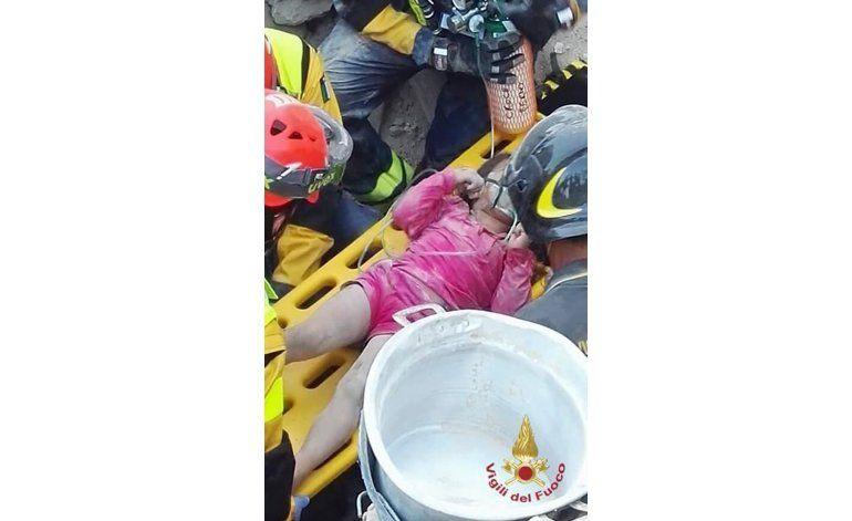 Italia: Niña murió en sismo, pero salvó a su hermana