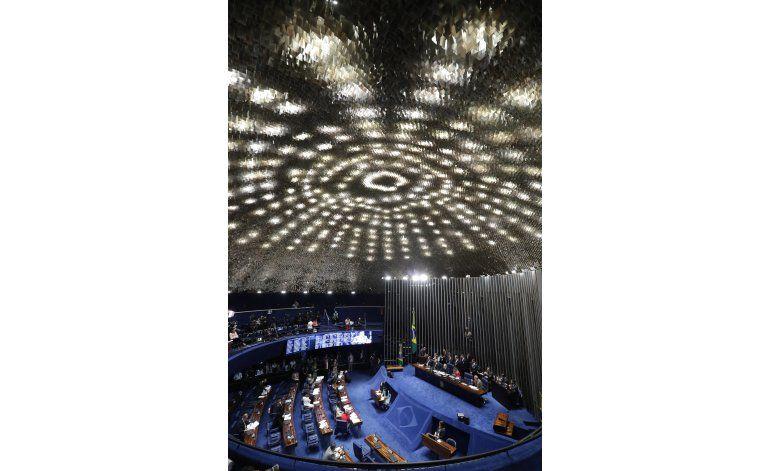 Interpelan a testigos en juicio a Rousseff