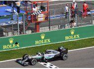 rosberg gana gp de belgica, en accidentada carrera