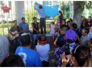 mexico canta a juan gabriel junto a su estatua en garibaldi