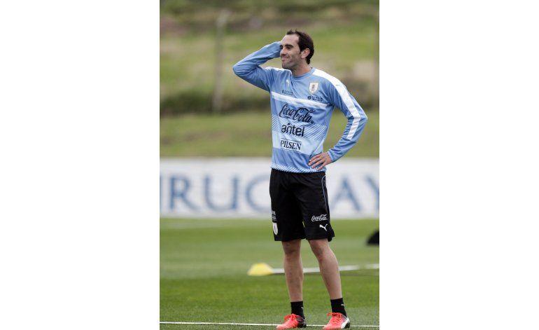 Godín: Uruguay tiene que mejorar defensivamente