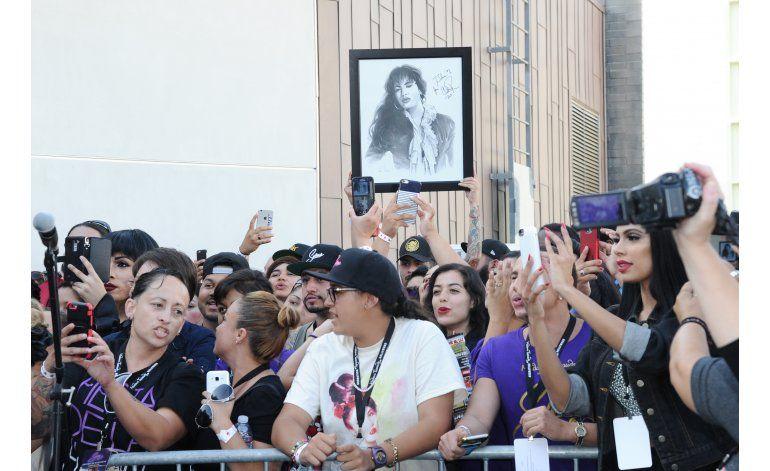 Figura de cera de Selena conmociona a su familia