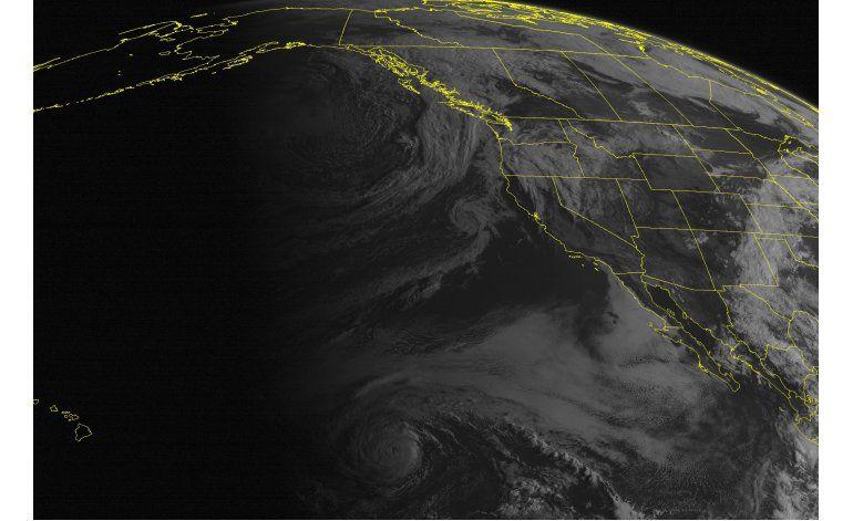Hawaii se prepara para posible azote de huracán