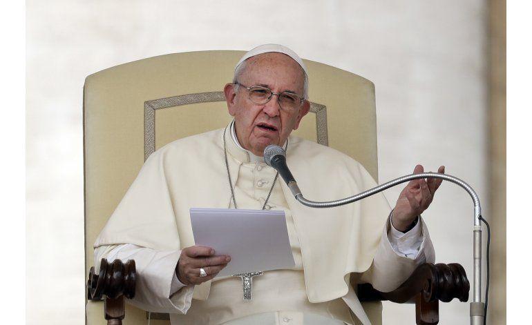 Cuestiones de migración quedarán bajo mando directo del papa