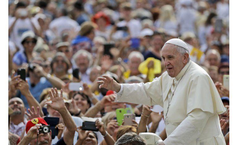 Papa viajará a Asís para día de rezos por la paz