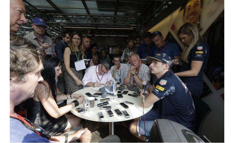 Verstappen: no cambiaré mi forma de manejar