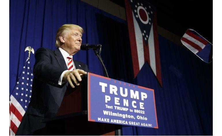 Asesores hispanos de Trump se sienten traicionados por él