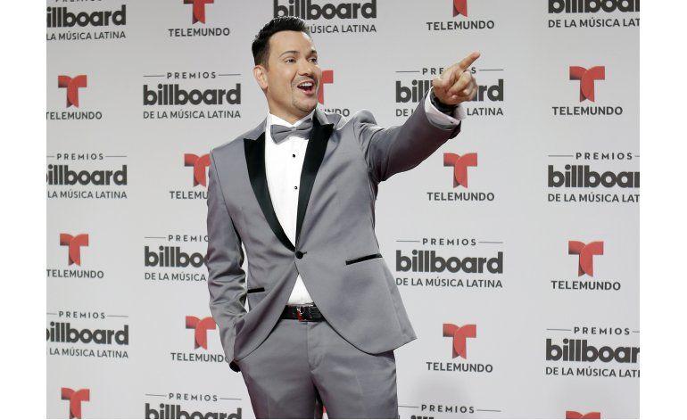 Víctor Manuelle vuelve a cantar sobre Alzheimer de su padre