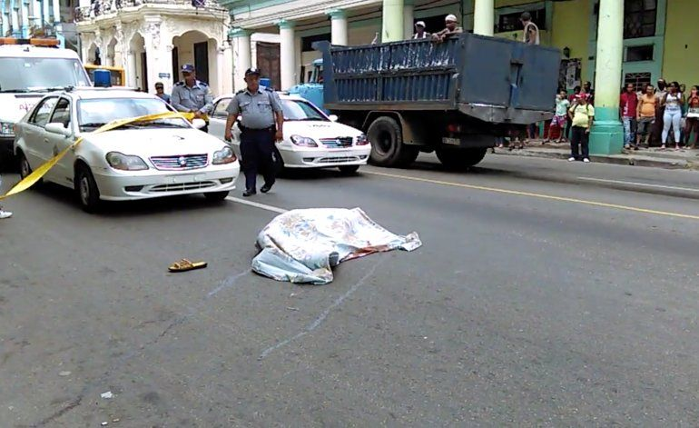 [Video] Ex militar cubano se suicida lanzándose desde el balcón de su casa, en La Habana