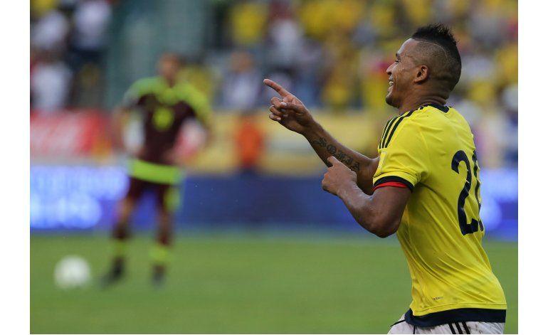 Colombia gana 2-0 a Venezuela y toma fuerza en eliminatoria