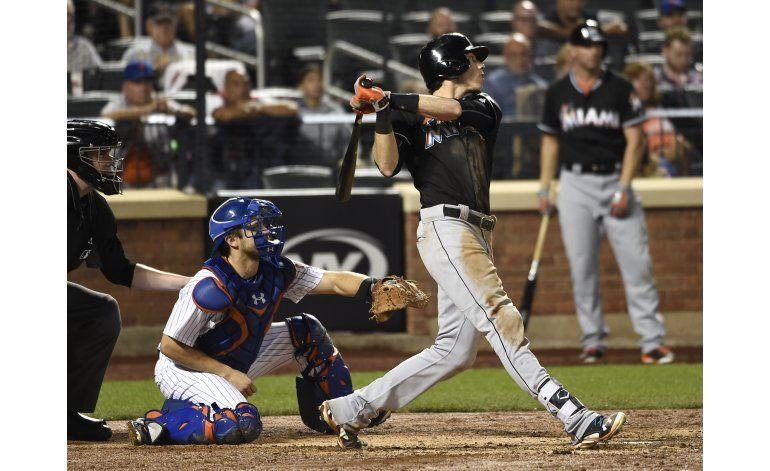 Yelich y Marlins salen de mala racha; vencen a Mets
