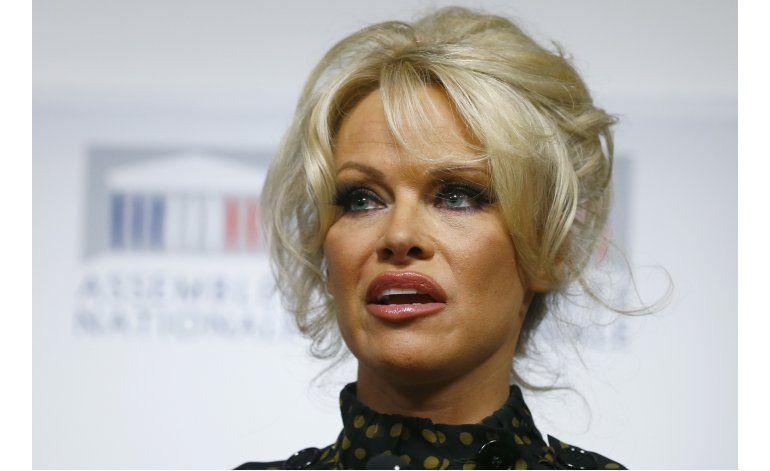 Pamela Anderson dice que la pornografía es para perdedores